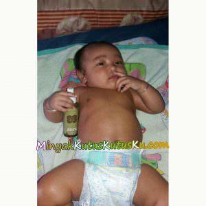 Minyak Kutus Kutus dipakai bayi & balita